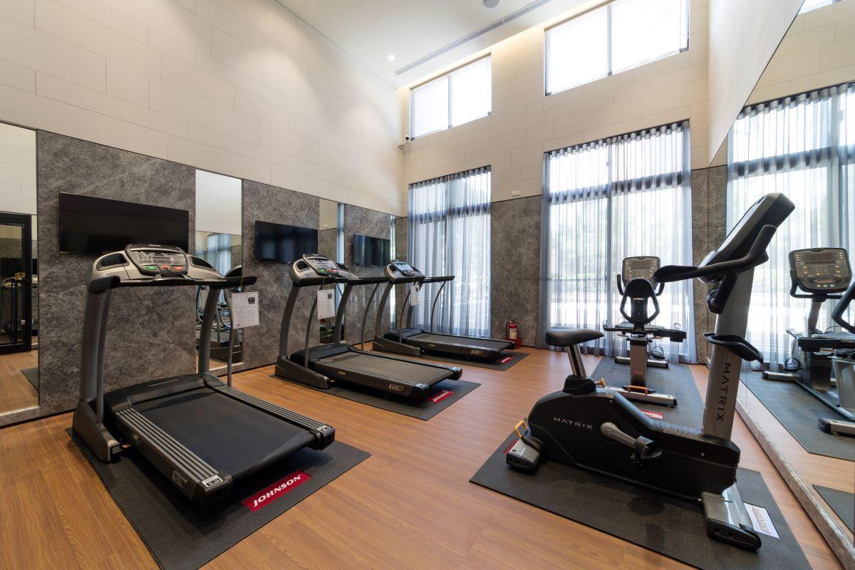 ▲社區休閒設施豐富,有健身房、交誼廳及閱覽室等。