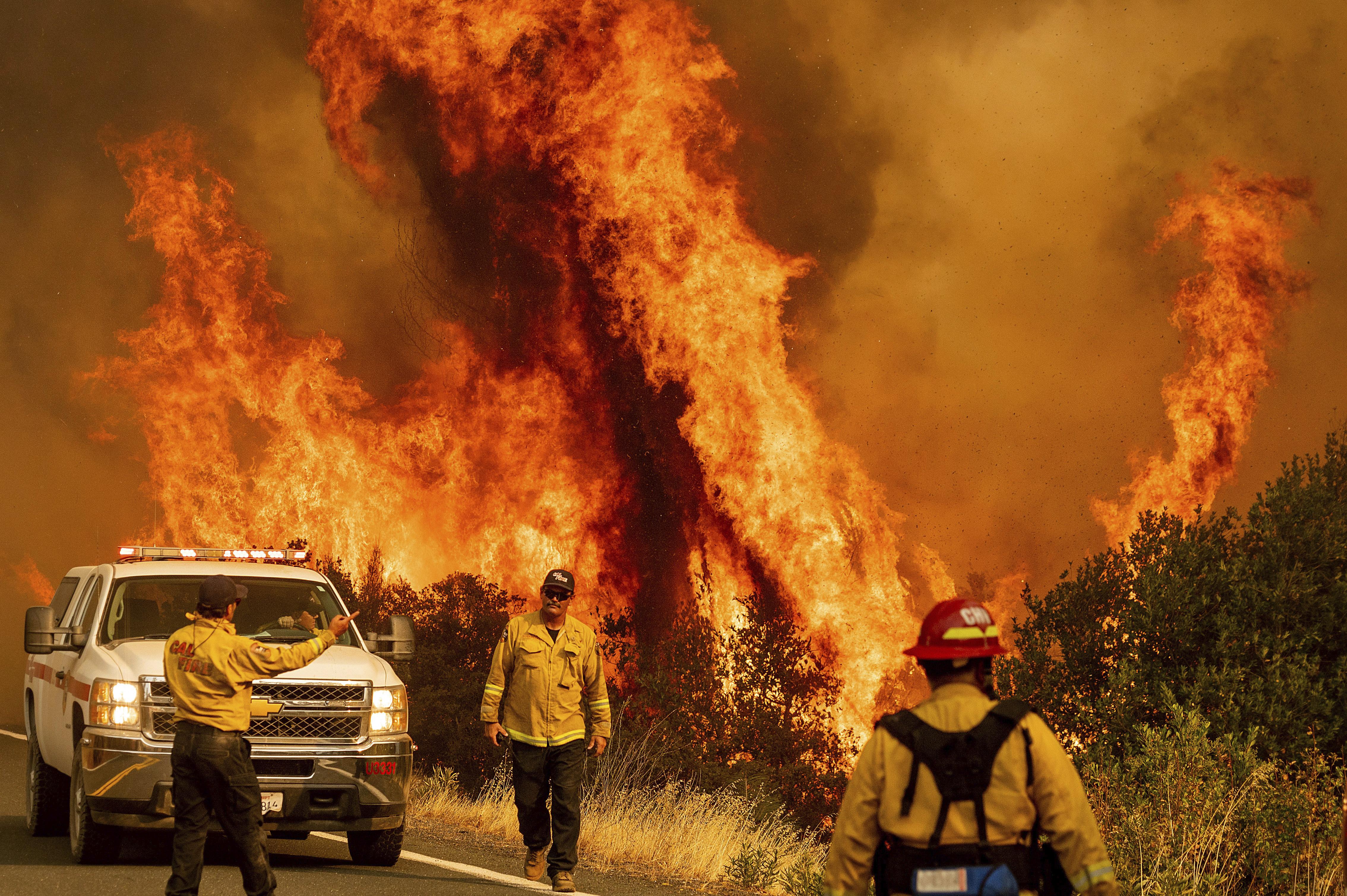 加州熱浪來襲野火「乾雷暴」不斷!急撤25萬人救災防疫拉緊報 - Yaho