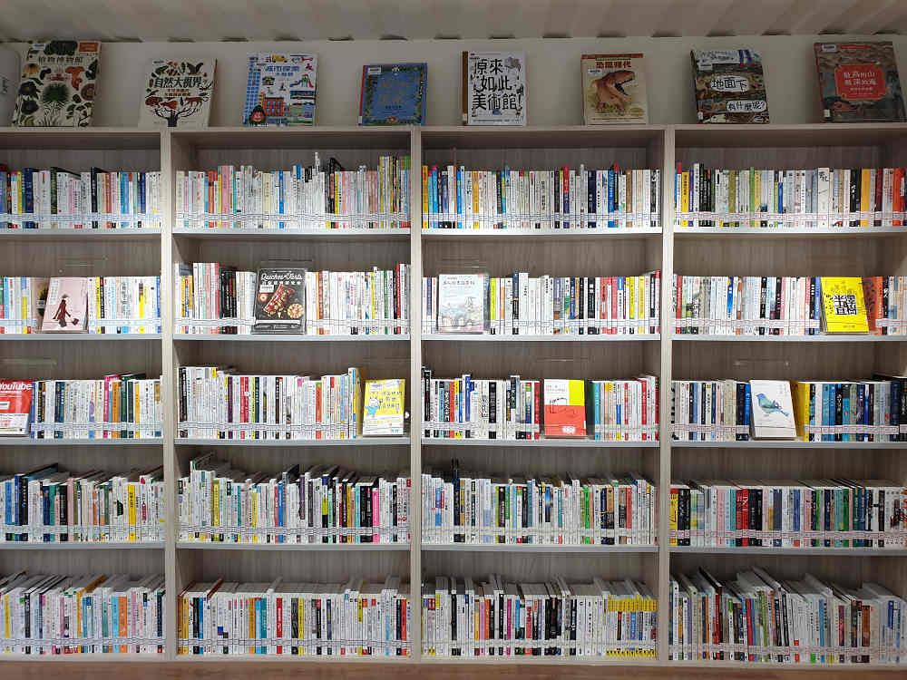 佔館藏量三分之一的兒童書,以繽紛色彩與生動文字,開啟孩子們的童心與想像力(圖片來源:新北市立圖書館授權提供)