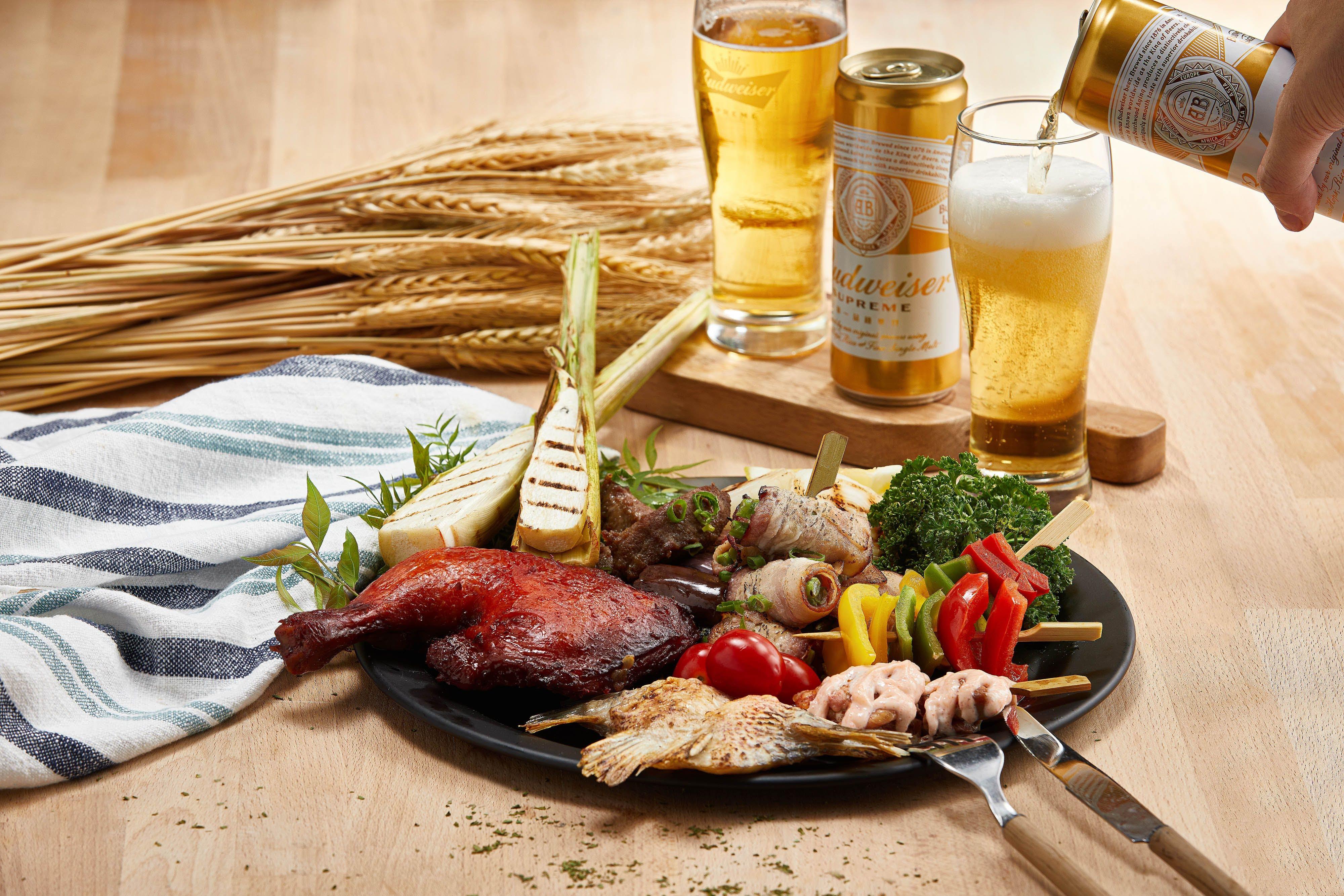 「MJ燒烤季」活動,可以享用豪邁肉料理和百威金尊啤酒無限暢飲。