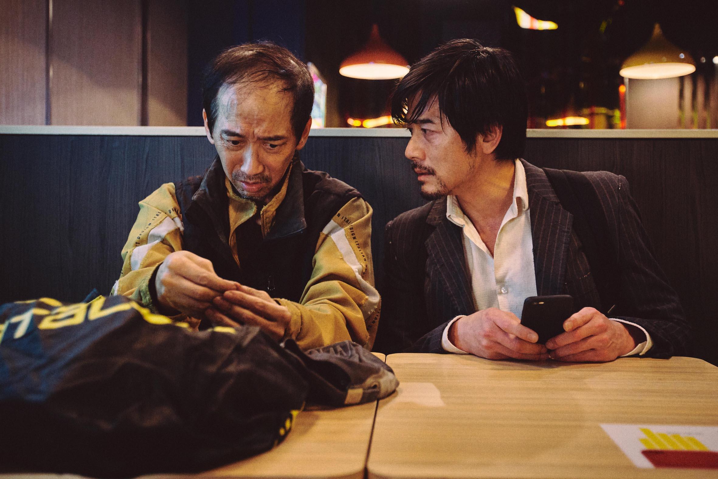 張達明(左)與郭富城在電影《麥路人》有對手戲。(圖:華映娛樂提供)