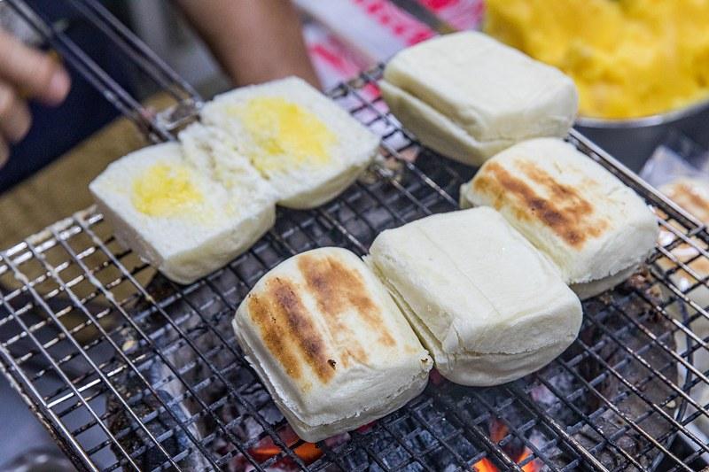 屏東東港 佳吉烤饅頭