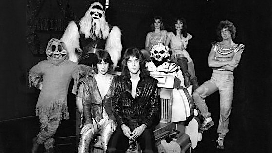 Remembering Halyx, Disneylands forgotten sci-fi glam group: The Star Wars Cantina Band meets KISS