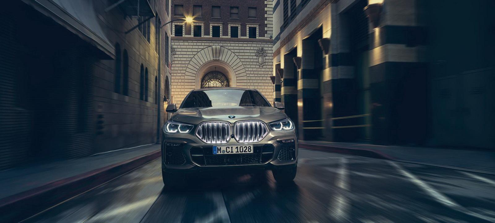 圖/2020 BMW X6 xDrive40i搭載3.0升BMW TwinPower Turbo直列六缸汽油引擎、峰值扭力為45.9kgm,0~100km/h加速僅需短短5.5秒。