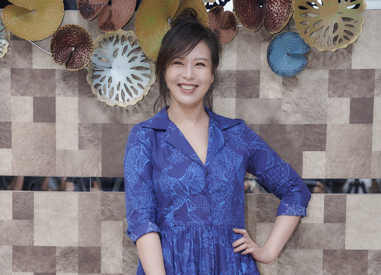 《華燈初上》劉品言飾演全店最資淺的酒店小姐_百聿數碼提供