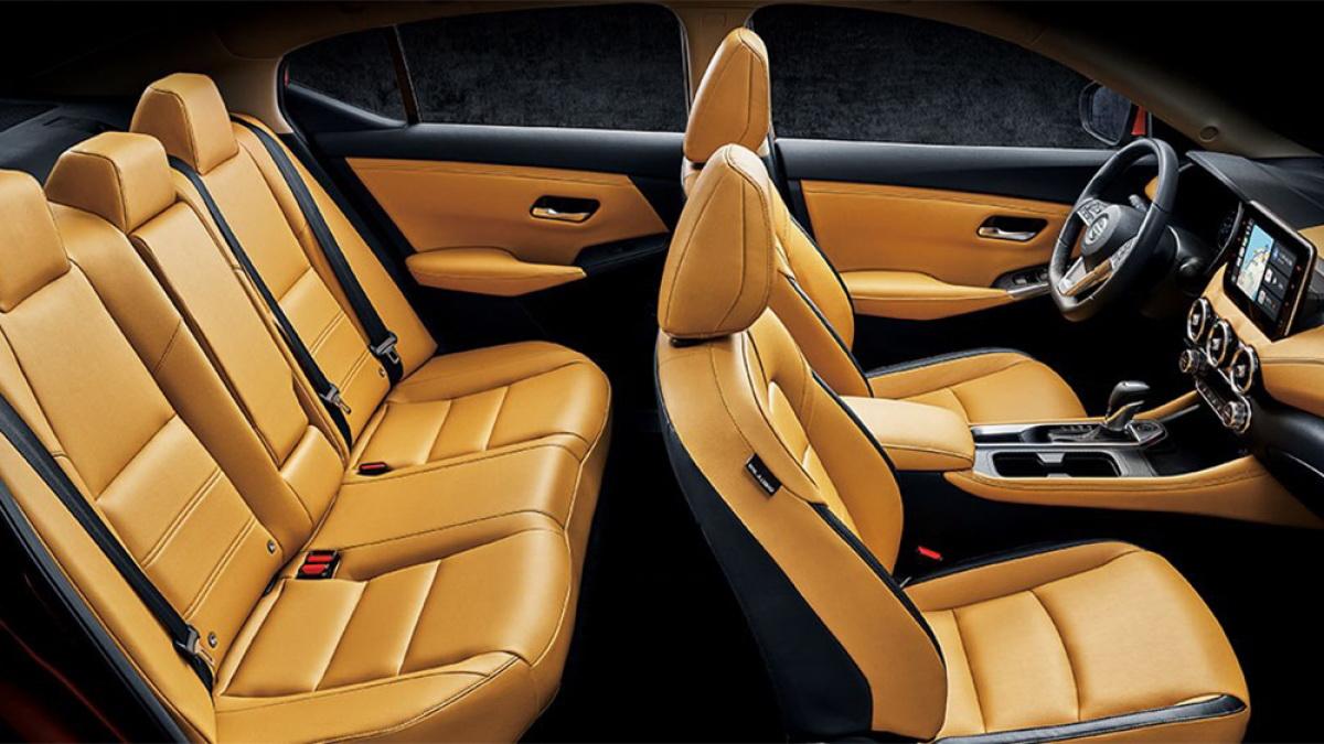 圖/2020 Nissan All New Sentra 1.6尊爵版採用舒適的3D Relax紓壓皮椅,無論舒適性或者支撐度都無可挑剔。