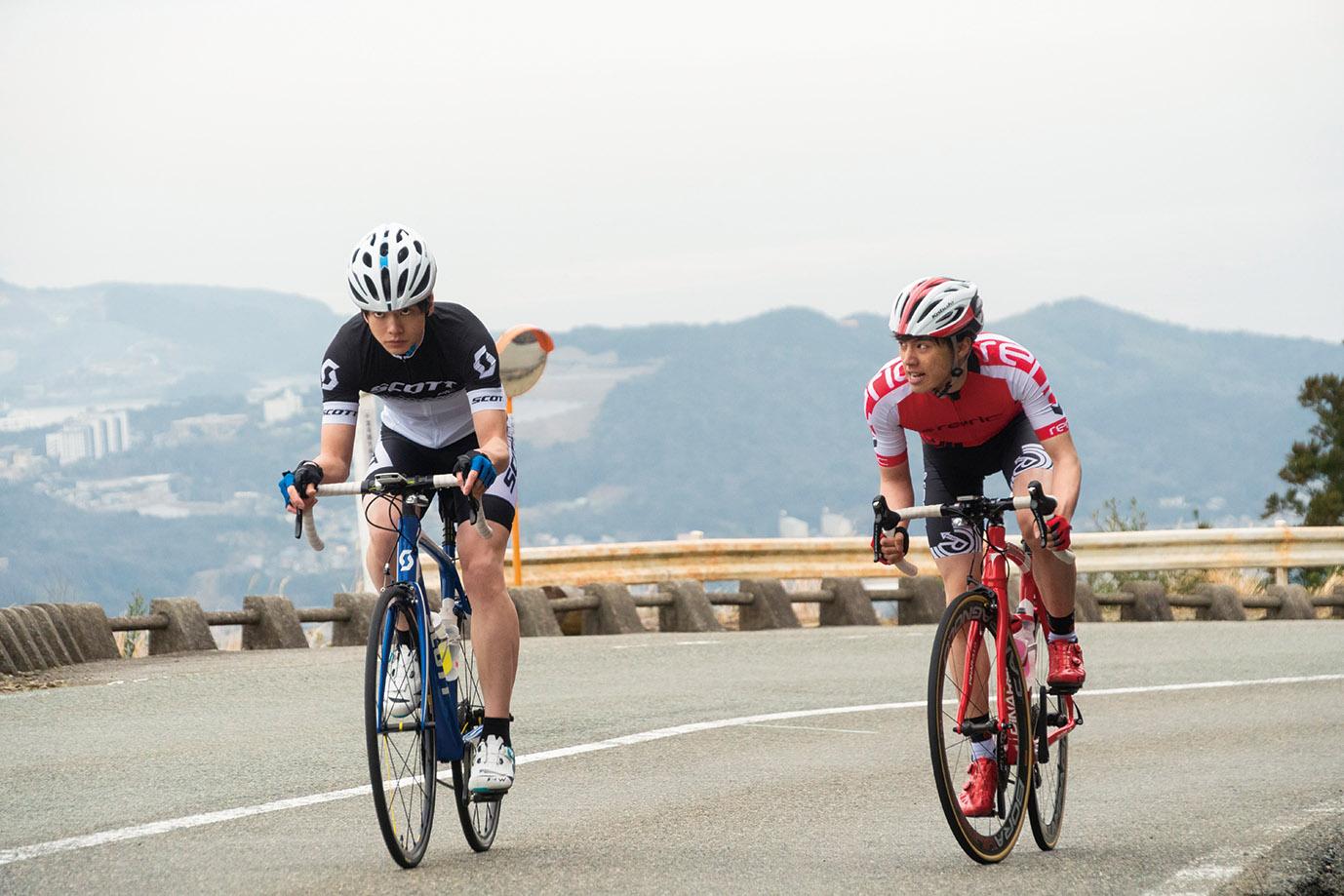 《飙速宅男》全片都在真实的道路实景拍摄,未使用任何CG特效,因此演员们可说是真正亲身参与了一场又一场自行车竞速赛