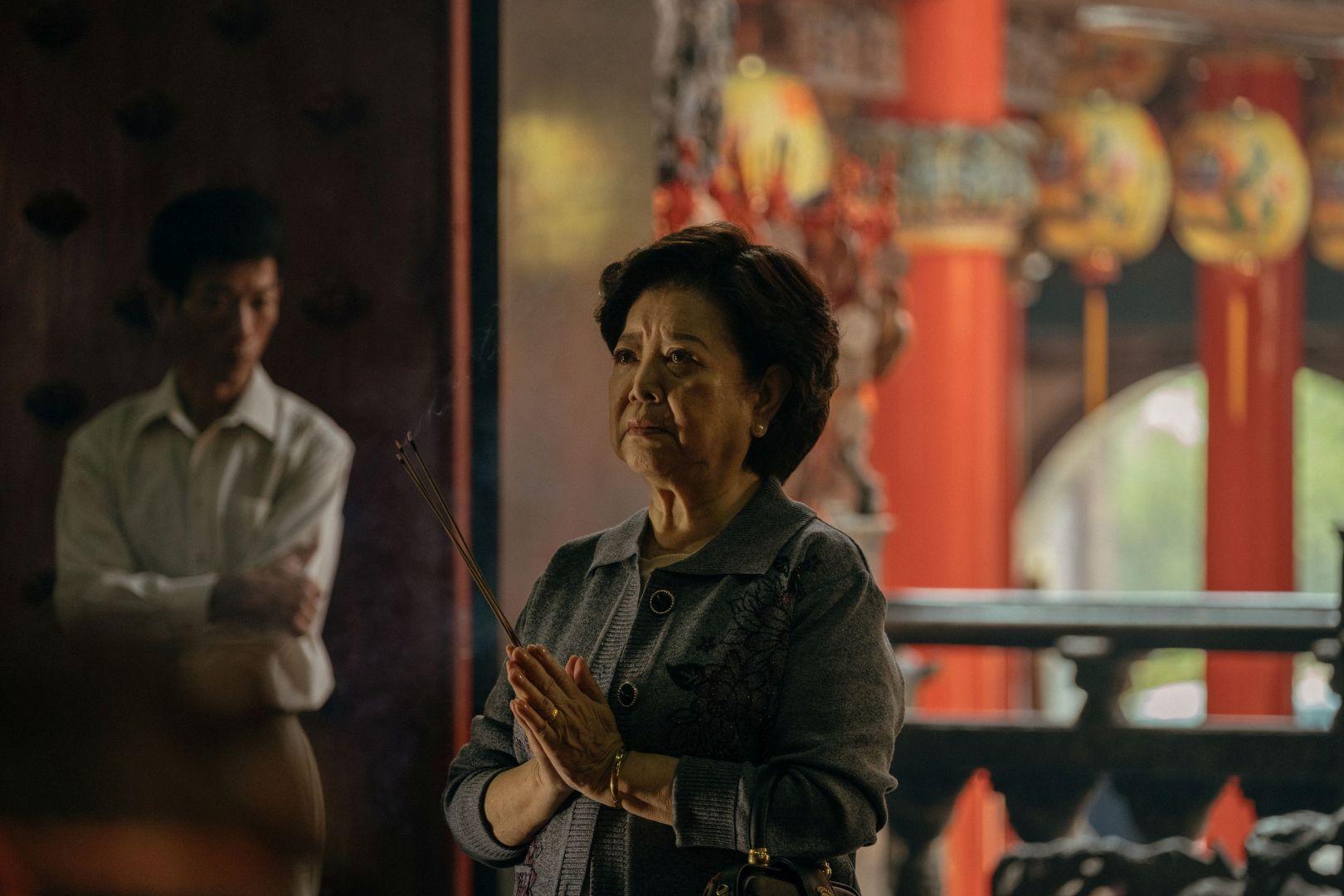 陳淑芳飾演女主角,片中遭遇許多辛酸卻不掉一滴淚