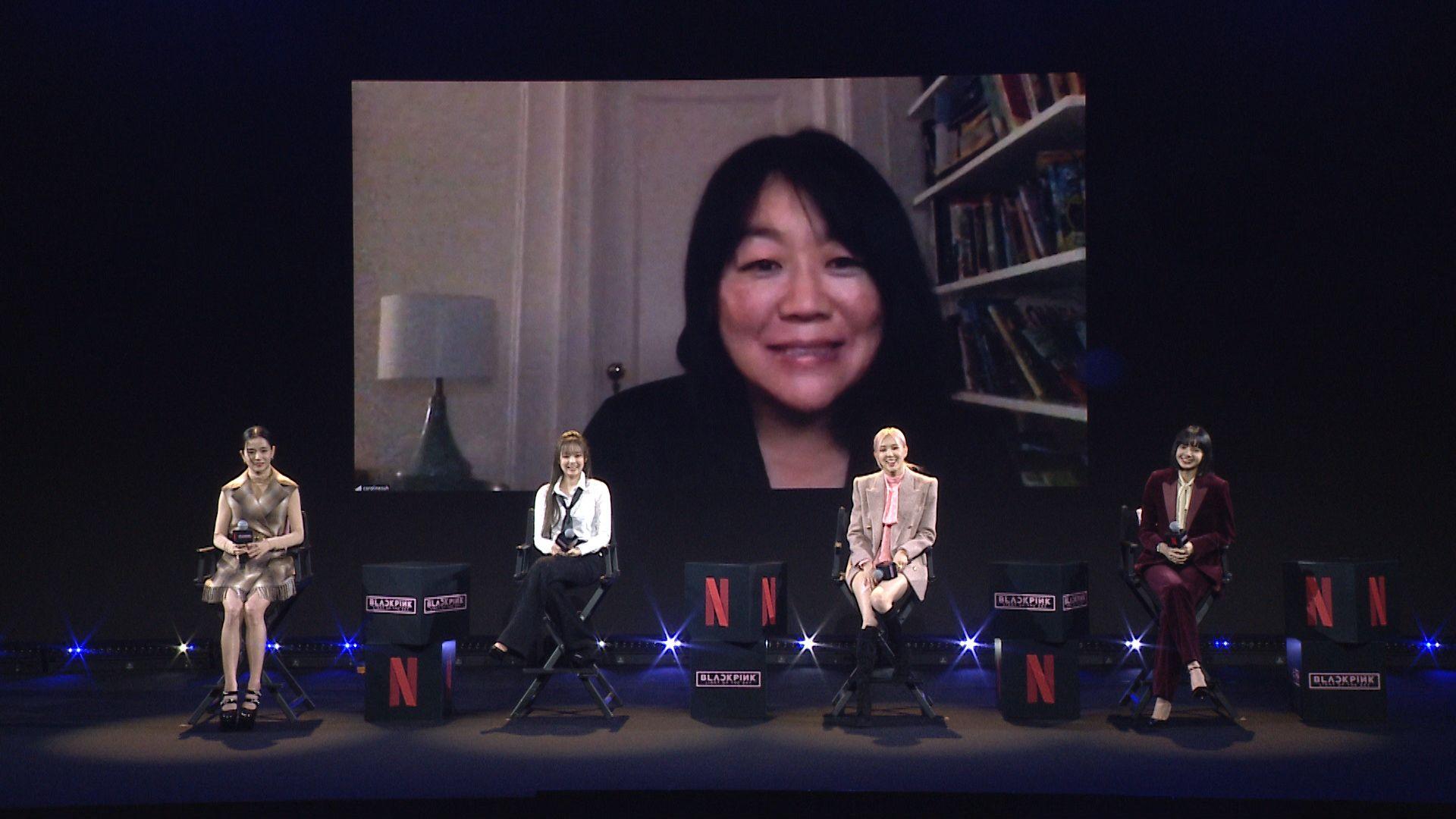 記者會現場與人在紐約的導演卡羅琳·蘇連線