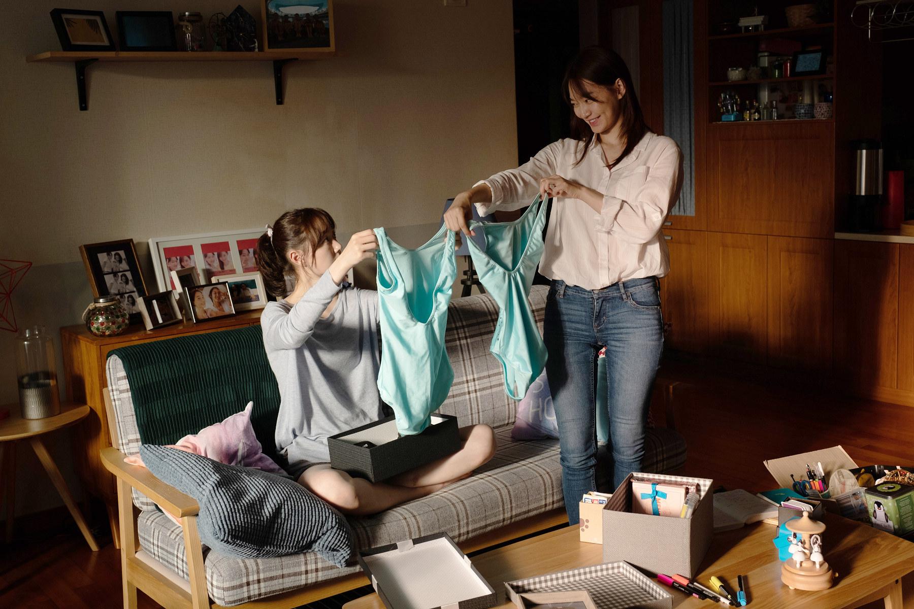 《詭憶》申敏兒(右)、李裕英(左)在片中飾演閨密,同時也是競爭對手