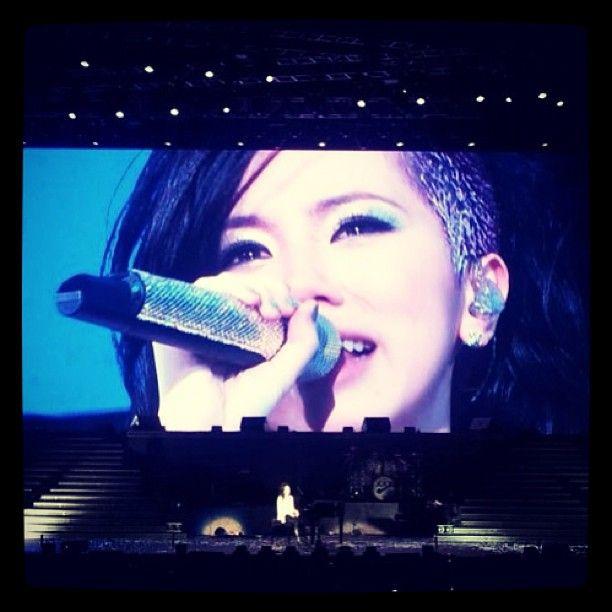 2013年,鄧紫棋展開了她的第一場巡迴演唱會X.X.X. Live