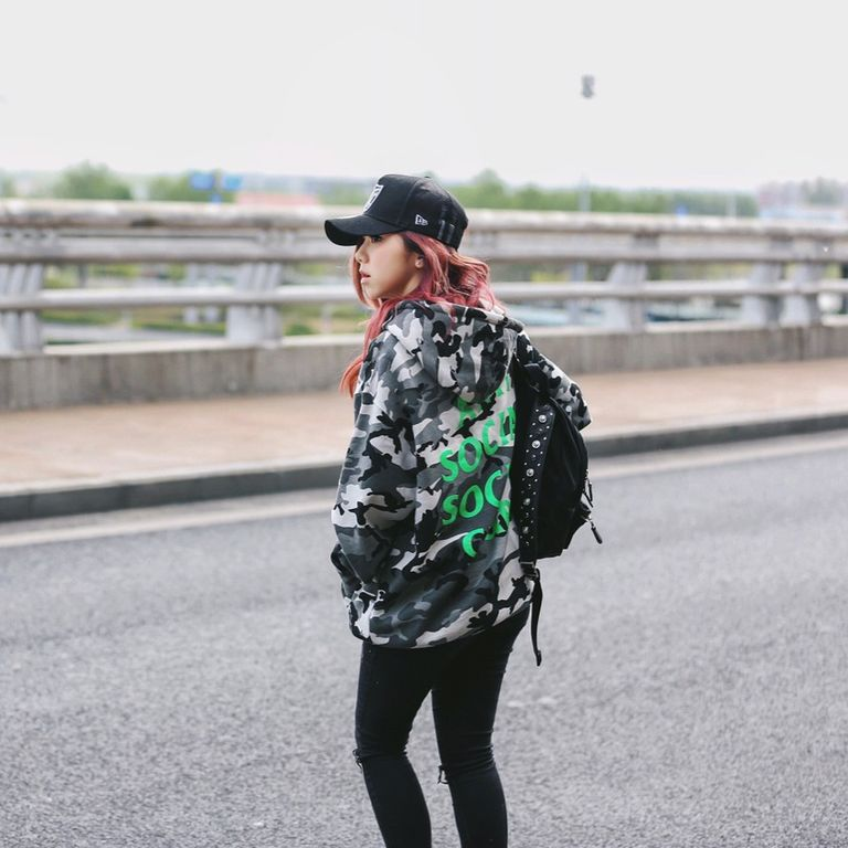 2016-2019鄧紫棋一直努力發展,不但發行了許多專輯及單曲,也開了大大小小的演唱會