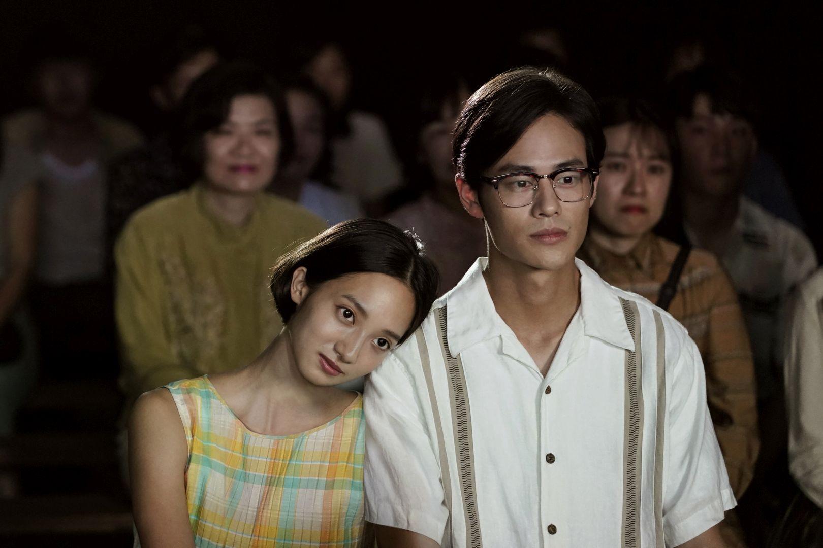 夏騰宏(右)與韓寧(左)拍攝約會戲時兩人全「濕身」