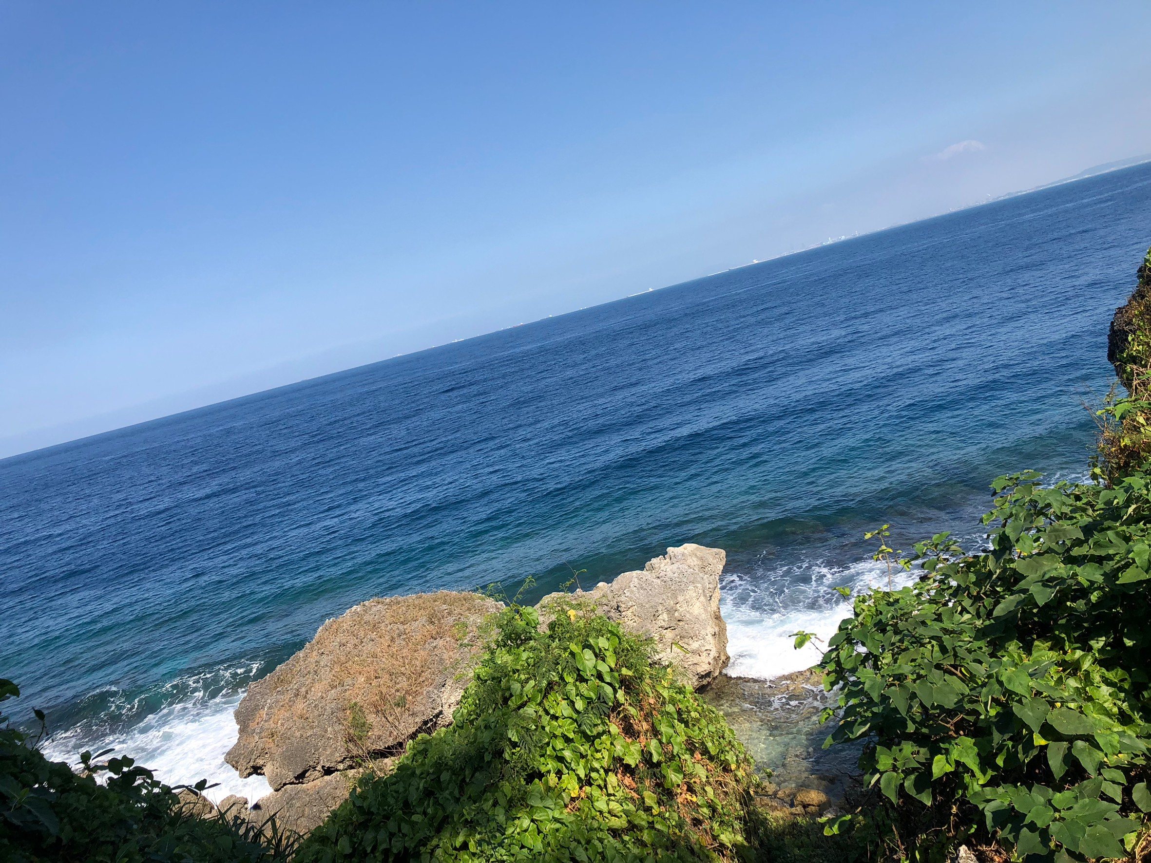 ▲小琉球擁有原始的自然景觀,讓梁以辰直呼有種遠離塵囂的舒暢感。