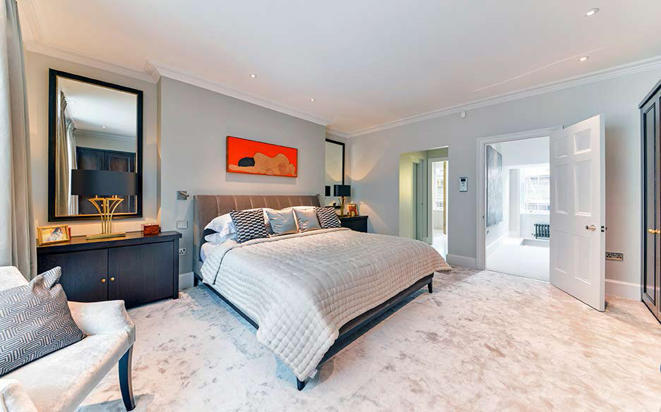Principal bedroom suite. Photo: Alex Lawrie