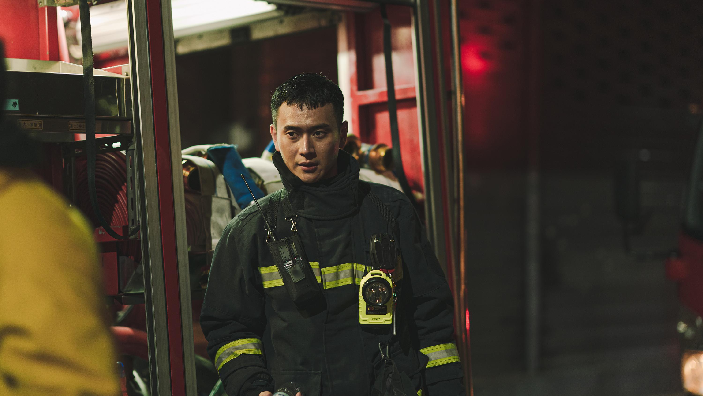 冠廷在《火神的眼淚》中飾演正義消防員,期待帶給觀眾不同的樣貌