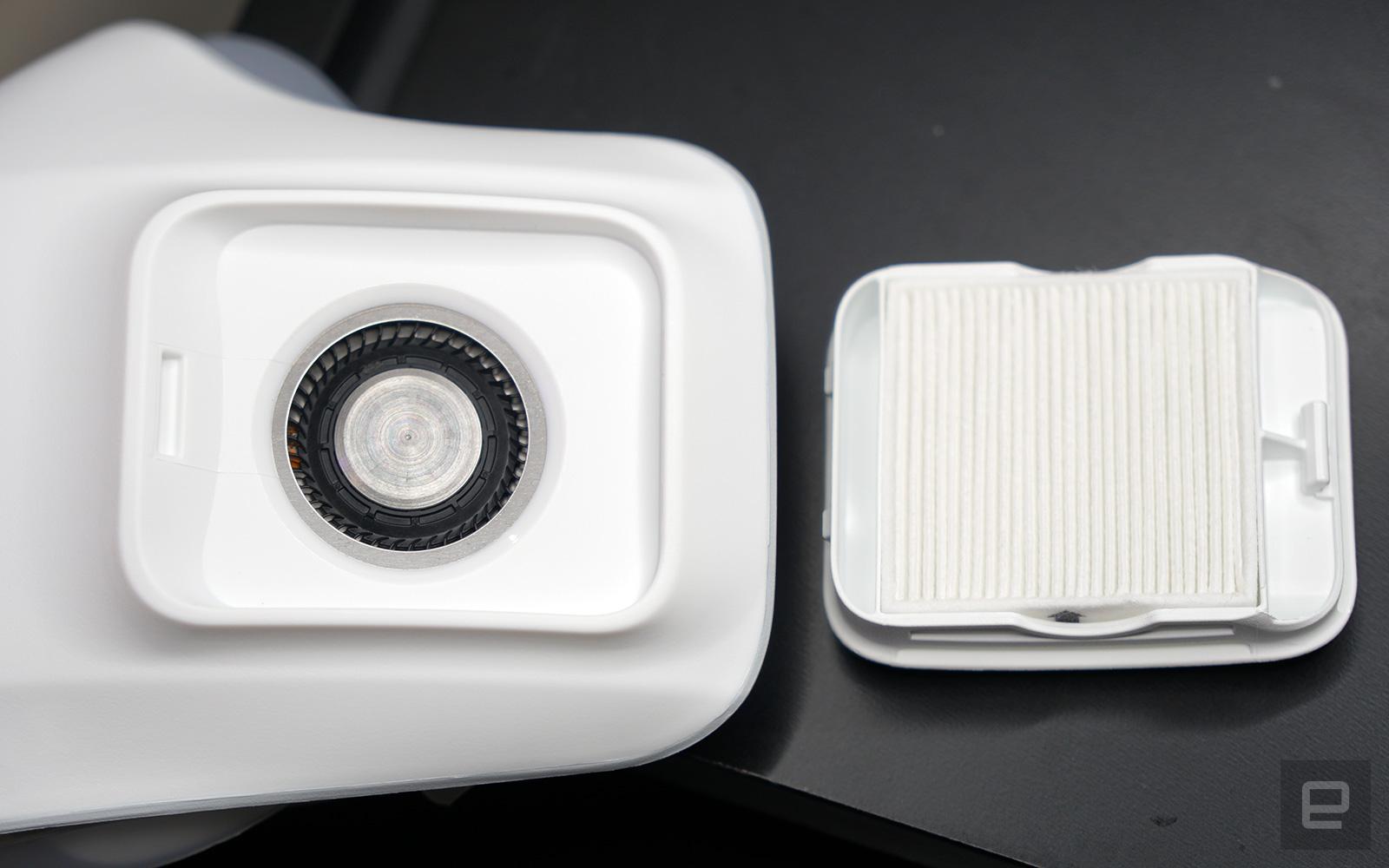 LG PuriCare 穿戴式空氣清新機
