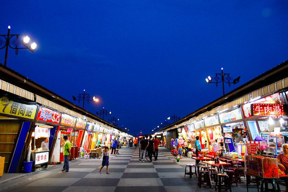 東大門夜市(Photo Credit: Yen(yenlife007)@Flickr, License: CC BY 2.0,圖片來源:https://www.flickr.com/photos/128138858@N05/32345383025)
