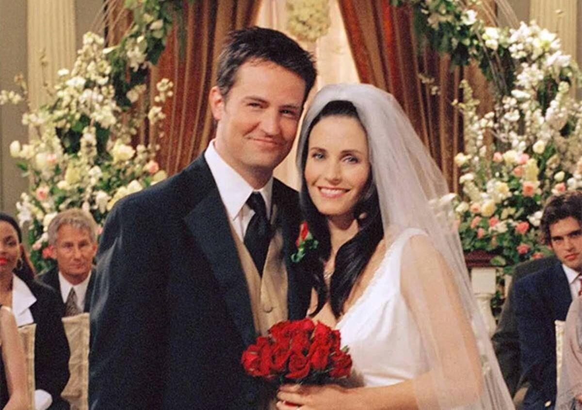 錢德與莫妮卡是許多《六人行》影迷心中最愛的一對伴侶。(圖為影集劇照)
