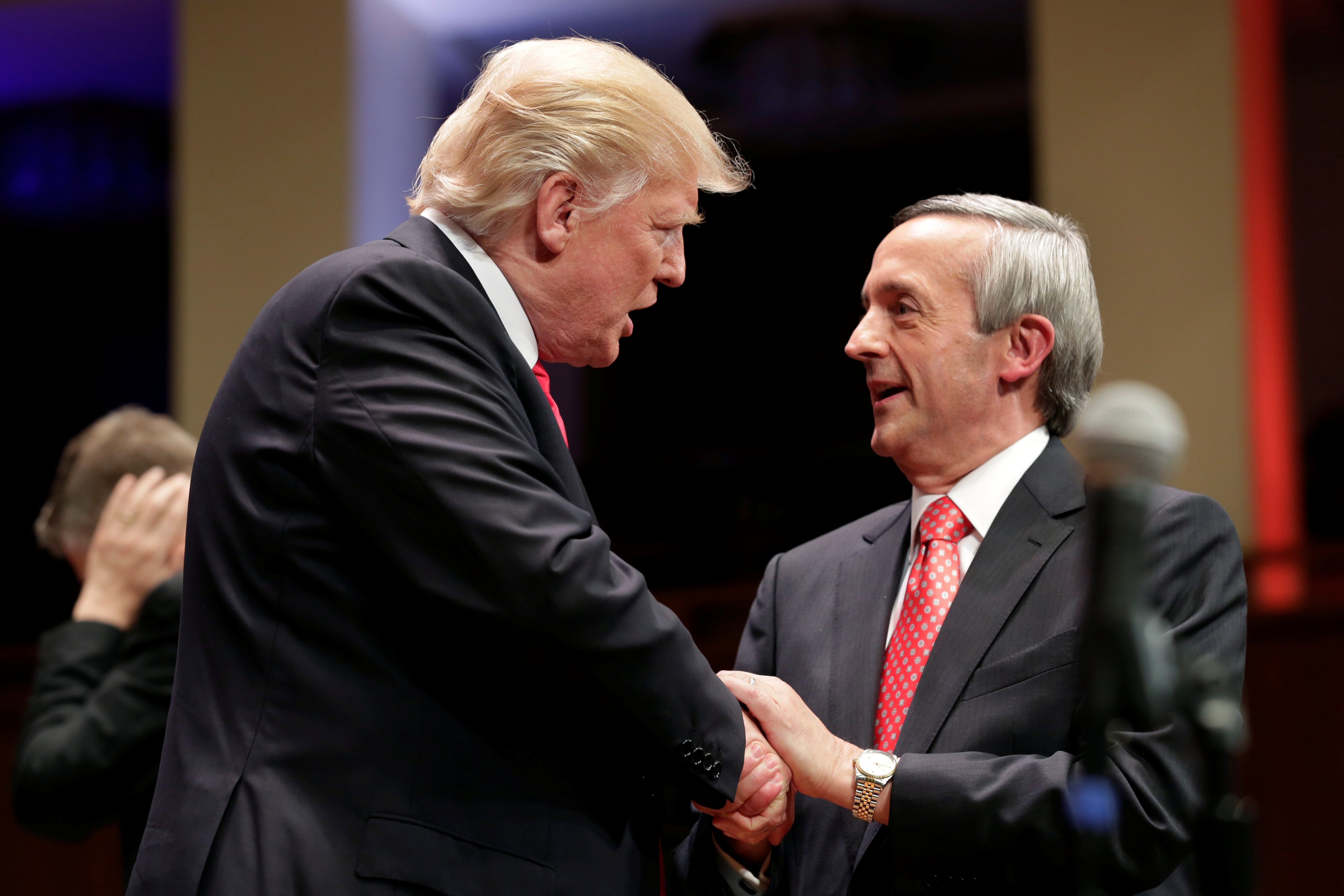 Pastor Robert Jeffress Acknowledges Biden Won Presidential Election, Encourages Christians to 'Pray Fervently' for Him