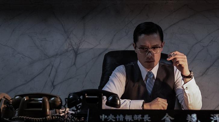 李炳憲《南山的部長們》劇照
