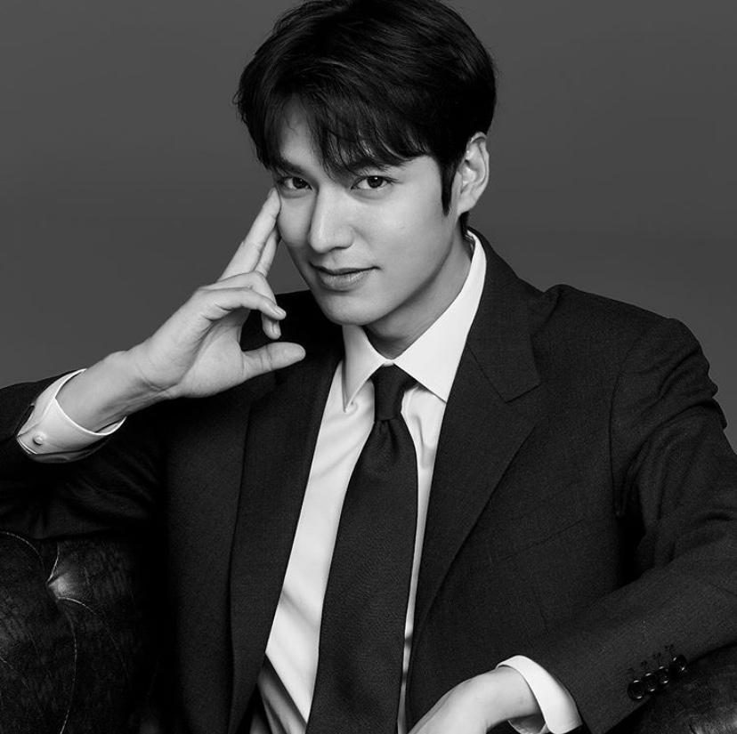 2017年韓國國家品牌大賞獲獎人,在今年以《The King:永遠的君主》回歸小螢幕 ,引發粉絲熱烈關注!