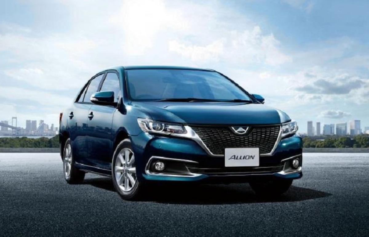 此為日本專屬的 Allion,用料比起當時的 Corolla 更豪華。