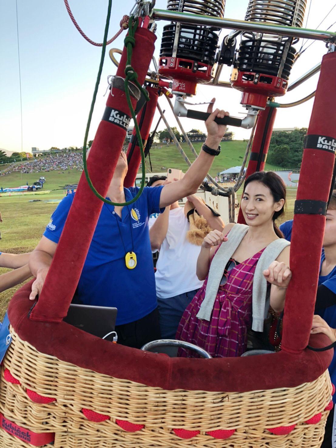▲大久保麻梨子這次赴台東也體驗人生第一次搭熱氣球。